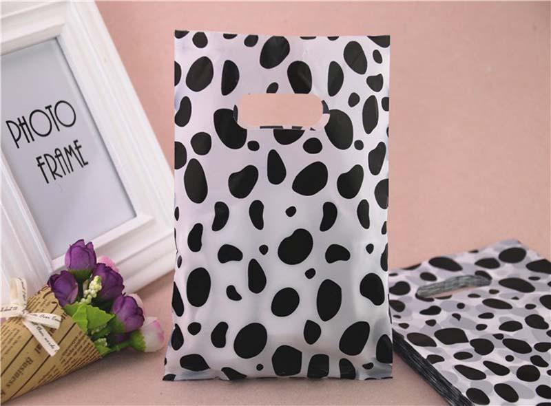 Black And White Dot Plastic Die-cut Bag